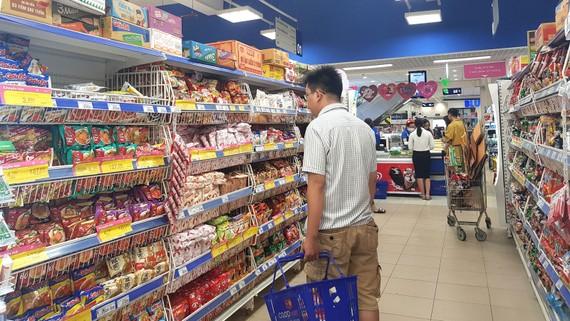 Người tiêu dùng cần mua thực phẩm ở các địa chỉ bán hàng uy tín
