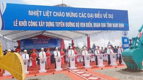 Khởi công tuyến đường ven biển Nam Định 2.700 tỷ đồng