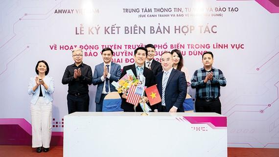 Amway Việt Nam hợp tác tuyên truyền bảo vệ quyền lợi người tiêu dùng