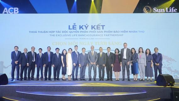 ACB và Sun Life Việt Nam công bố thỏa thuận hợp tác độc quyền 15 năm