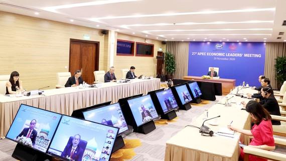 Thủ tướng Nguyễn Xuân Phúc tham dự hội nghị tại điểm cầu Hà Nội