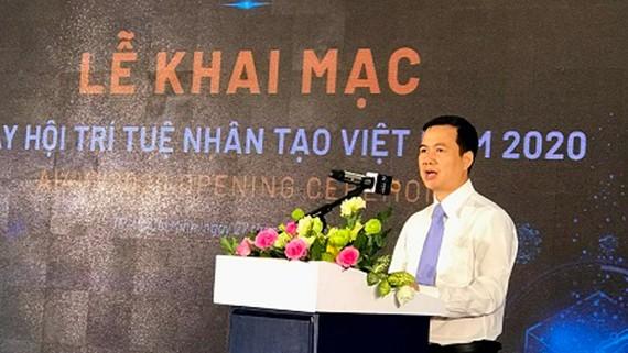 Thứ trưởng Bộ Khoa học và Công nghệ Bùi Thế Duy phát biểu khai mạc AI4VN 2020. Ảnh: VGP