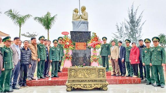 """Khánh thành tượng đài """"Bác Hồ với chiến sĩ biên phòng"""""""