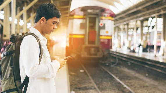 Ứng dụng hỗ trợ người dùng điện thoại thông minh  đi tàu xe an toàn