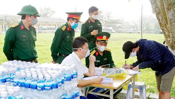 Lực lượng chức năng tỉnh Hà Tĩnh chuẩn bị cho công tác kiểm soát dịch tại các cửa khẩu trên địa bàn