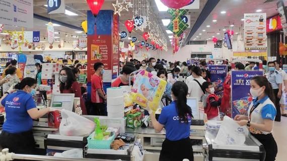 Hệ thống siêu thị Co.opmart, Co.opXtra mở cửa từ 7 giờ sáng phục vụ người dân mua sắm Tết