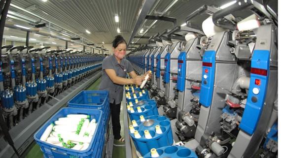 Sản xuất tại Công ty TNHH May Thiên Nam. Ảnh: CAO THĂNG