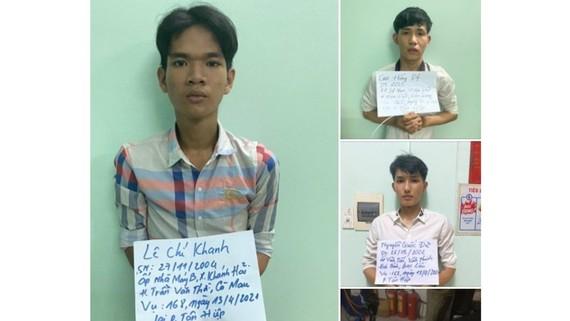 Nhóm đối tượng tự xưng là cảnh sát, sau đó cướp tài sản, bị Công an thị xã Tân Uyên, Bình Dương bắt giữ. Ảnh: Công an cung cấp