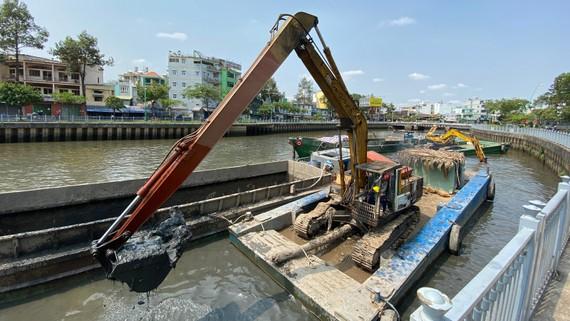 Nạo vét kênh Nhiêu Lộc - Thị Nghè góp phần khơi thông dòng chảy, giảm ngập úng khi triều cường