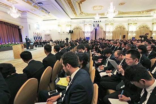 Thủ tướng Thái Lan Prayuth Chan-ocha phát biểu trước 570 nhà đầu tư Nhật Bản ở Bangkok hôm 11-9.