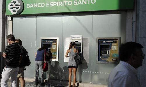 """Xếp hạng tín dụng của Bồ Đào Nha đã qua khỏi mức """"cầm đèn đỏ""""."""