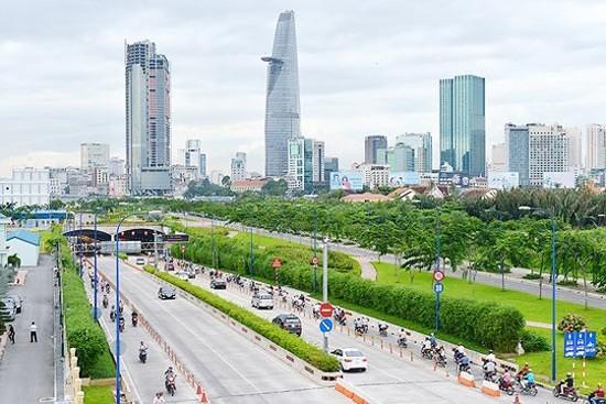 Hạ tầng giao thông phát triển góp phần cho cuộc sống tốt ở TPHCM.