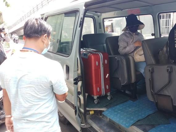 TPHCM sẽ hỗ trợ xe đưa người đã hoàn thành cách ly trở về nhà.