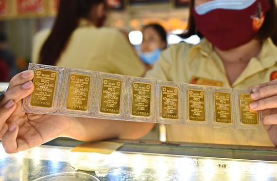 Hơn 15.000 tỉ đồng đổ vào vàng miếng trong ba tháng. Ảnh: NGỌC PHƯỢNG