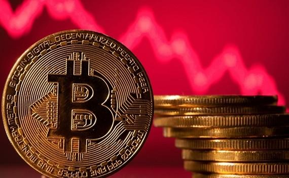 Bitcoin thường được quảng cáo là một sự thay thế tiềm năng cho kim loại truyền thống như một vật lưu trữ giá trị. Ảnh: CNBC. Sự sụt giảm gần đây là một sự đảo ngược so với mức tăng đáng kể bắt đầu vào nửa cuối năm ngoái.