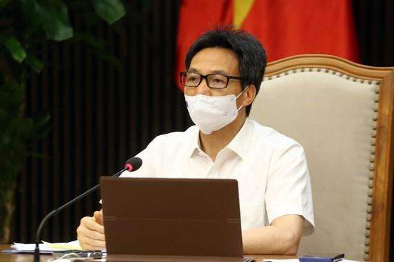 Phó Thủ tướng Vũ Đức Đam đề nghị Bắc Ninh mạnh dạn thí điểm cách ly F1 tại nhà giám sát bằng công nghệ. Ảnh: VGP