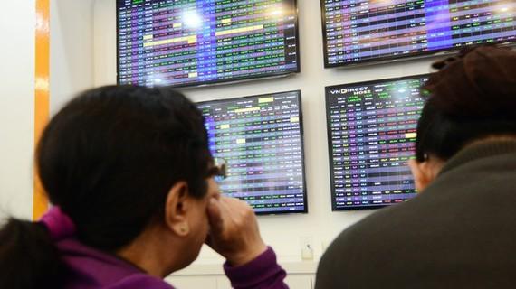 Hàng loạt cổ phiếu thép, ngân hàng, chứng khoán tiếp tục tăng mạnh ẢNH: NGỌC THẮNG