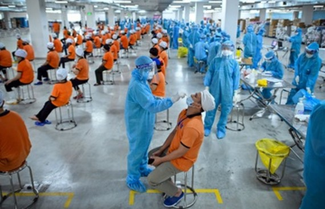 Khoảng 240.000 công nhân Bắc Ninh, Bắc Giang sẽ được tiêm vaccine Covid-19.