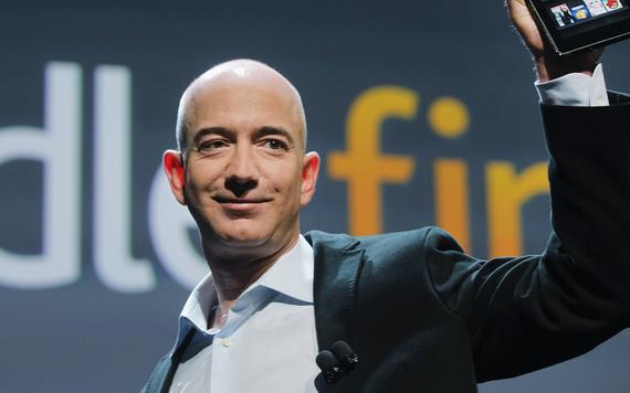 Tỷ phú Jeff Bezos thông báo từ chức CEO Amazon