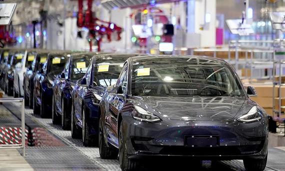 Tesla Model 3 tại nhà máy Thượng Hải, Trung Quốc hồi tháng 1/2020. Ảnh: Reuters.