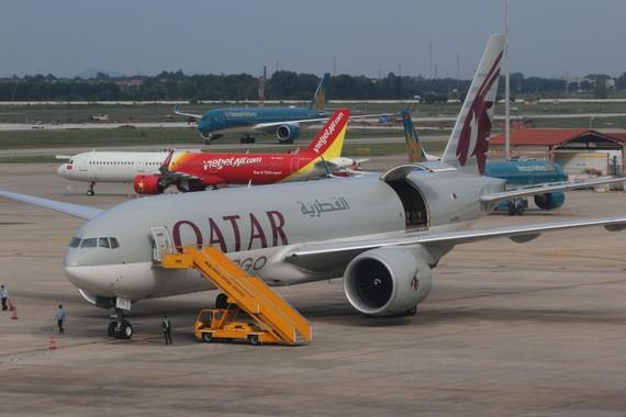 Thị phần vận tải hàng hóa hàng không chủ yếu trong tay các hãng bay ngoại. Ảnh: ĐẬU TIẾN ĐẠT