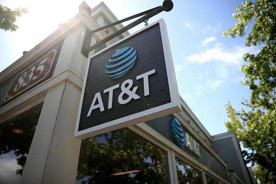 Giám đốc tài chính của AT&T, Verizon và các công ty khác cho biết họ đang giữ lượng tiền mặt khá lớn dù nó không kiếm được nhiều lãi. Ảnh: JUSTIN SULLIVAN.