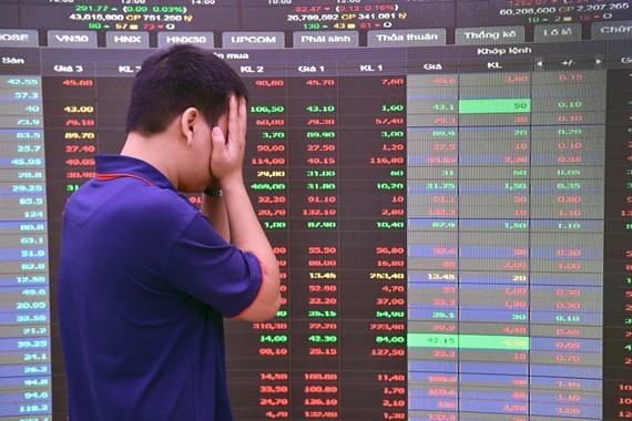 Nhà đầu tư đã phải trải qua những phiên giao dịch mà không thể xem chính xác giá, khối lượng giao dịch tại thời điểm nhập lệnh. Ảnh: Hoàng Hà.