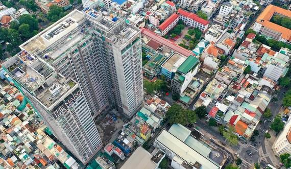 Khu căn hộ hạng sang The MarQ với vị trí đắc địa tại quận 1, TP.HCM có giá mở bán bán từ khoảng 150-185 triệu đồng/m2. Ảnh: Chí Hùng.