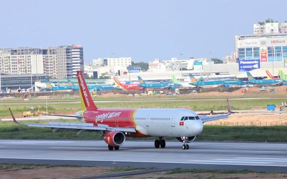 Các doanh nghiệp hàng không tư nhân sẽ được hưởng hỗ trợ ưu đãi về lãi vay, thuế, phí theo dự thảo đề xuất mới nhất của Bộ Kế hoạch và đầu tư. Ảnh: V.TH