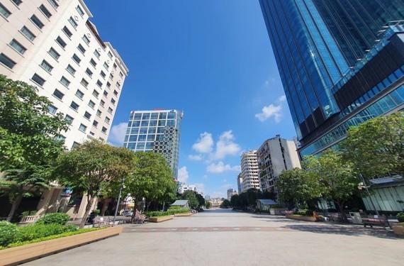 hơn 50% khách sạn 3 sao đã tạm ngưng hoạt động, nhóm khách sạn 4-5 sao đang hoạt động cầm chừng. Ảnh: H. Minh.