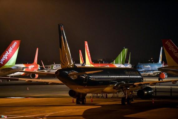 Đợt bùng phát thứ 3 và thứ 4 của dịch Covid-19 tại Việt Nam khiến các hãng hàng không tiến gần tới khả năng cạn kiệt dòng tiền. Ảnh: Khánh Huyền.