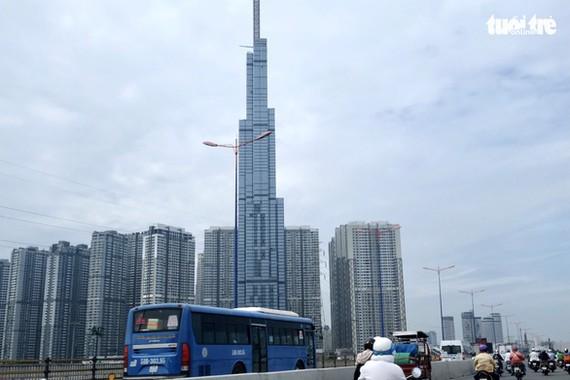 Các nhà thầu phải cạnh tranh khốc liệt để giành dự án xây dựng. Trong ảnh có tòa Landmark 81 do nhà thầu Việt Nam xây dựng - Ảnh: BÔNG MAI