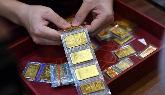 Giá vàng SJC cao hơn thế giới 6,6 triệu đồng/lượng. ẢNH: Ngọc Thắng