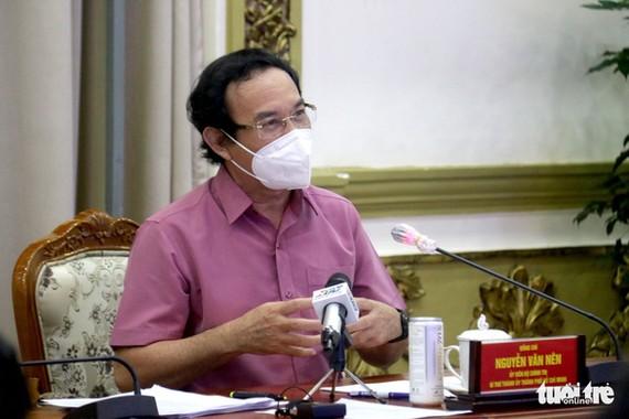 Bí thư Thành ủy TP.HCM Nguyễn Văn Nên phát biểu tại buổi làm việc sáng 17-9. Ảnh: Ngọc Hiển