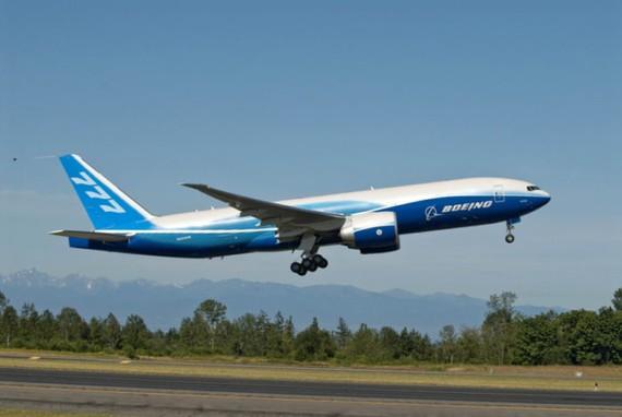 Một tàu bay Boeing 777 F.