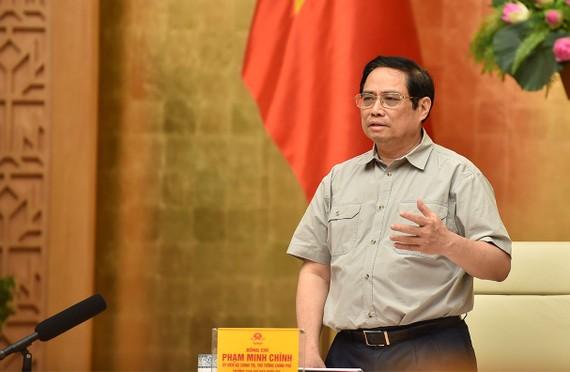 Thủ tướng: Không phải cứ lập rào cản là chống được dịch. Ảnh: VGP