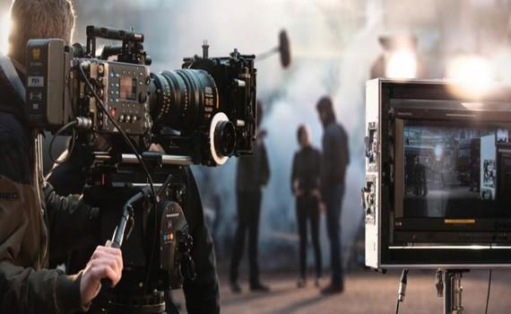 Các nhà sản xuất phim và chương trình truyền hình kiến nghị được góp mặt trong nhóm ngành nghề, doanh nghiệp được hoạt động sau 30-9.