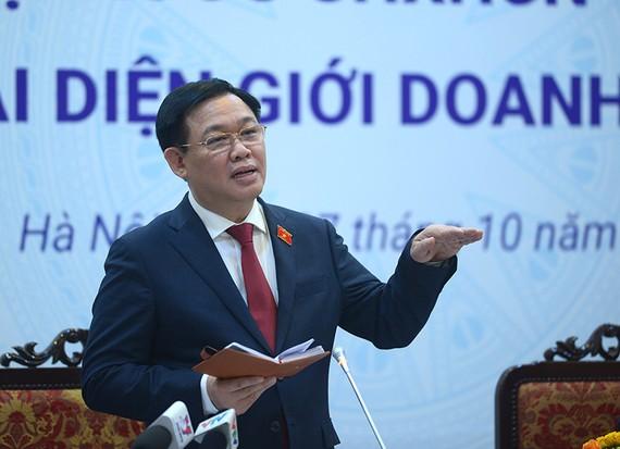 Chủ tịch Quốc hội Vương Đình Huệ phát biểu tại cuộc gặp gỡ. Ảnh: VGP