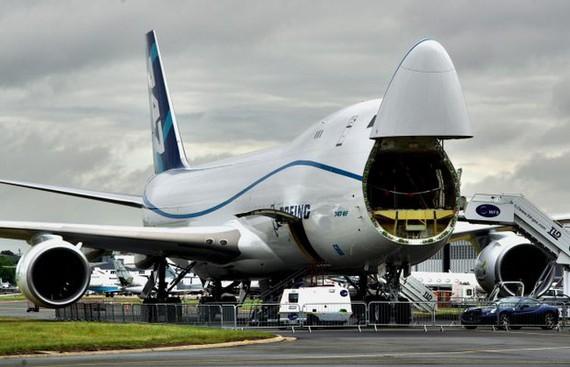 Thợ đào tiền ảo thuê Boeing 747 chở card đồ họa, linh kiện