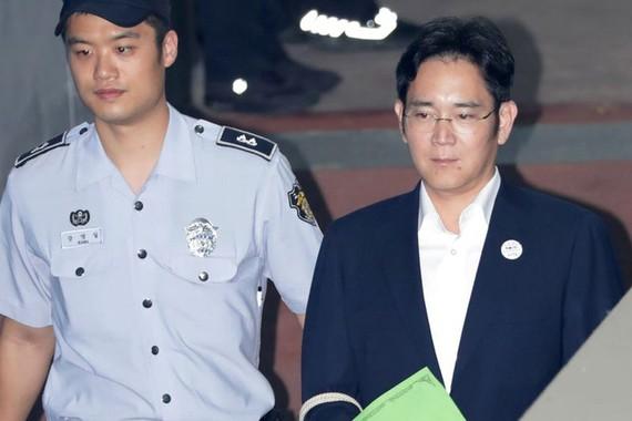 """""""Thái tử Samsung"""" bị đề nghị 12 năm tù"""