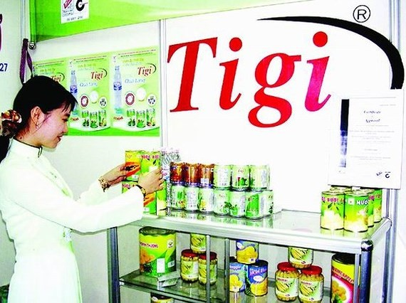 Canned fruits products of Tien Giang Vegetables and Fruit Company. (Photo: SGGP)