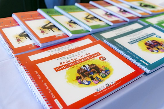 Music education publications from the Alfred Music Publisher, the official Vietnamese version-2