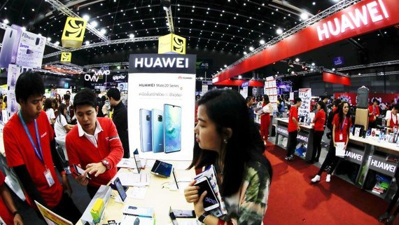 Huawei's booth at Mobile Expo in Bangkok in May: Although skepticism remains in India over Huawei's promise, it may be difficult to exclude the Chinese giant from the country's 5G rollout.   © Reuters