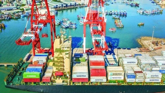 Ports in Central Region need to strengthen connectivity and investment commensurate with their potential. (In the photo: Quy Nhon Port)