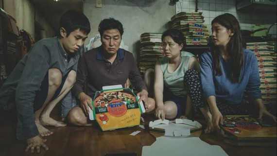 """Parasite"" depicts a brother and a sister who trick their way into becoming tutors for a wealthy family.   © 2019 CJ ENM Corp., Barunson E&A All rights reserved."