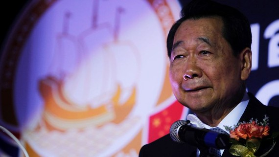 Dhanin Chearavanont, senior chairman of Charoen Pokphand Group, said his company will construct a mask factory to help Thailand deal with the novel coronavirus.   © Reuters