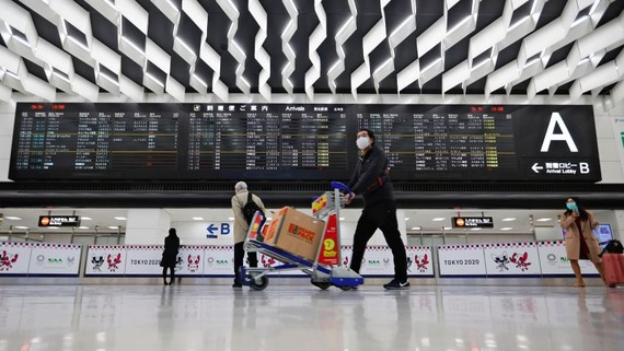 Tokyo's Narita Airport: The new ban applies to foreigners who had spent time in these three countries in the previous 14 days.   © Reuters