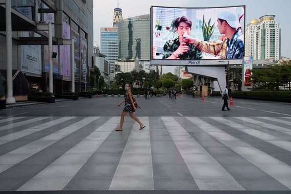 Foreign tourists walk at square of Central World in Bangkok, Thailand on March 20. Photographer: Vachira Vachira/NurPhoto via Getty Images