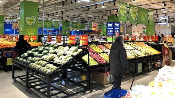 Customers have been slow to return, with traffic at this Walmart near Shanghai at less than half of usual levels. (Photo by Naoki Matsuda)