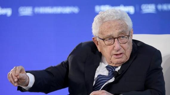 Henry Kissinger: Đại dịch virus corona sẽ mãi mãi thay đổi trật tự thế giới
